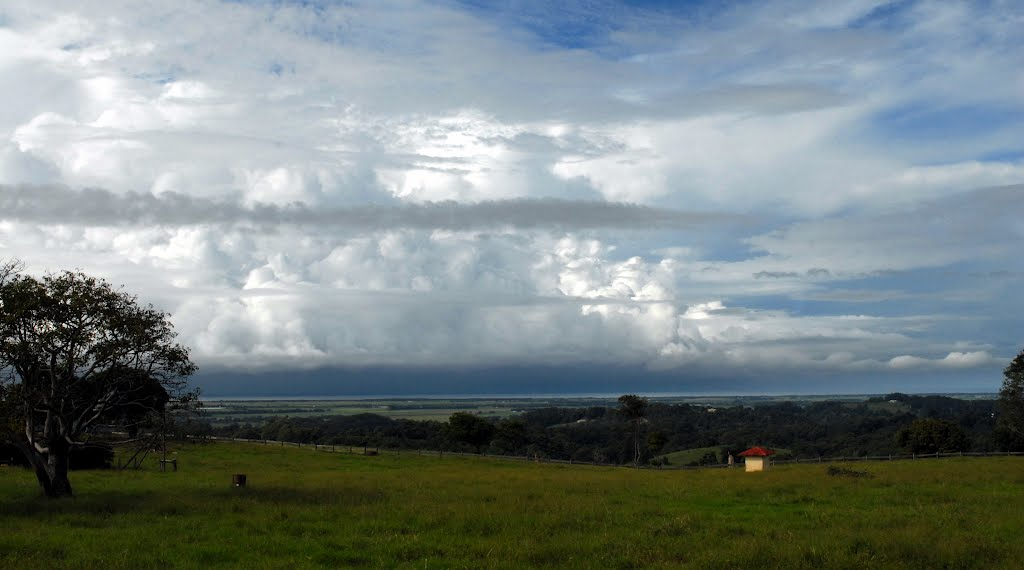SE view from edge of Alstonville Plateau