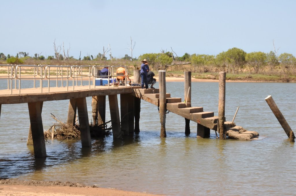 Fishing jetty - Groper Creek