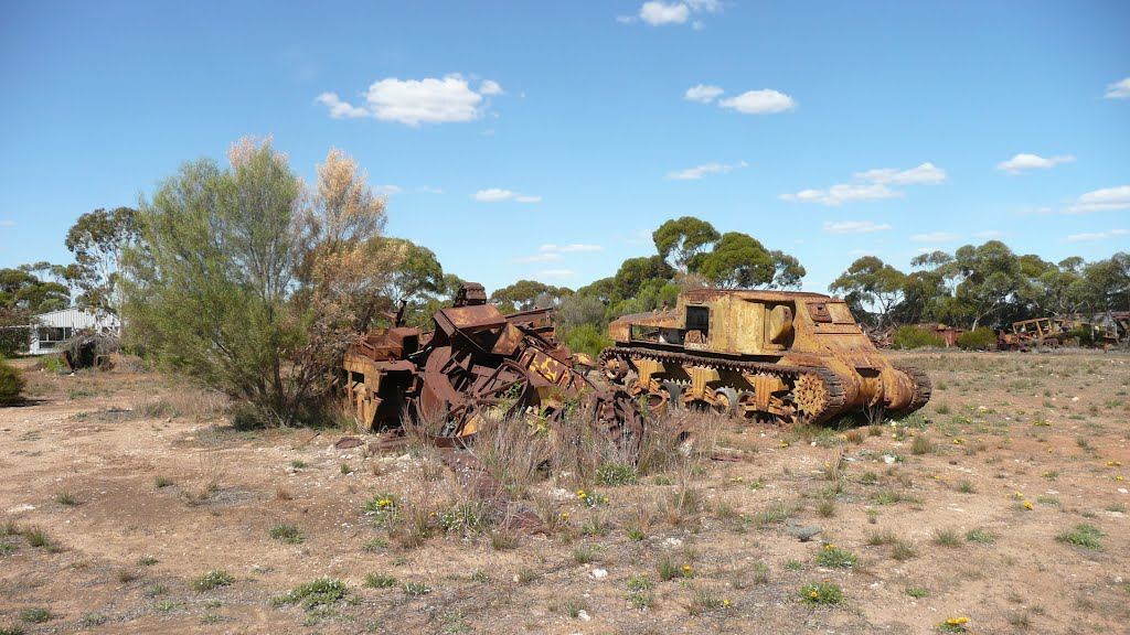 Old army tank, Murrayville