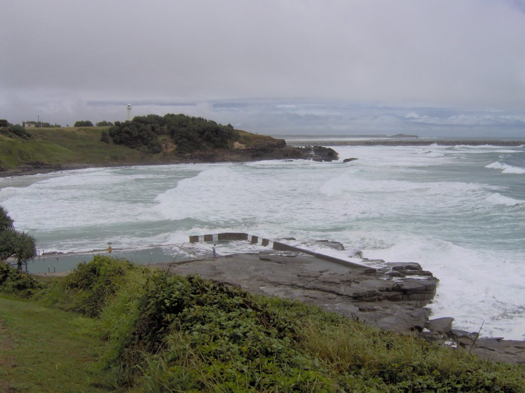 Yamba Main Beach - Rock Pool
