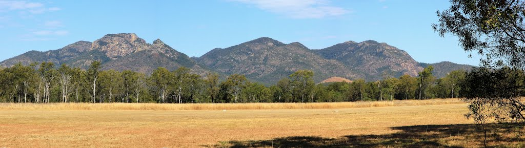 Mount Walsh as backdrop to Biggenden Airstrip