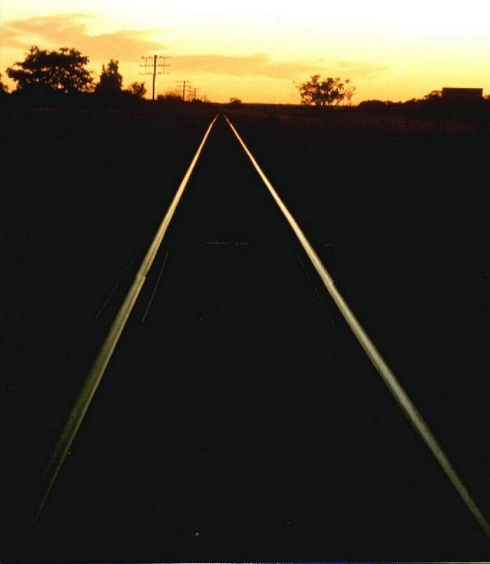 Australia - Queensland - Emerald to Alpha - Railroad tracks along the Capricorn Hwy - 1980