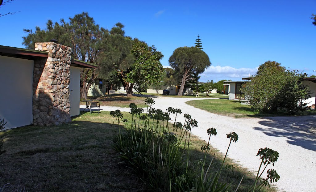 Flinders Island Cabin Park is set on 2.5 acres of park like grounds