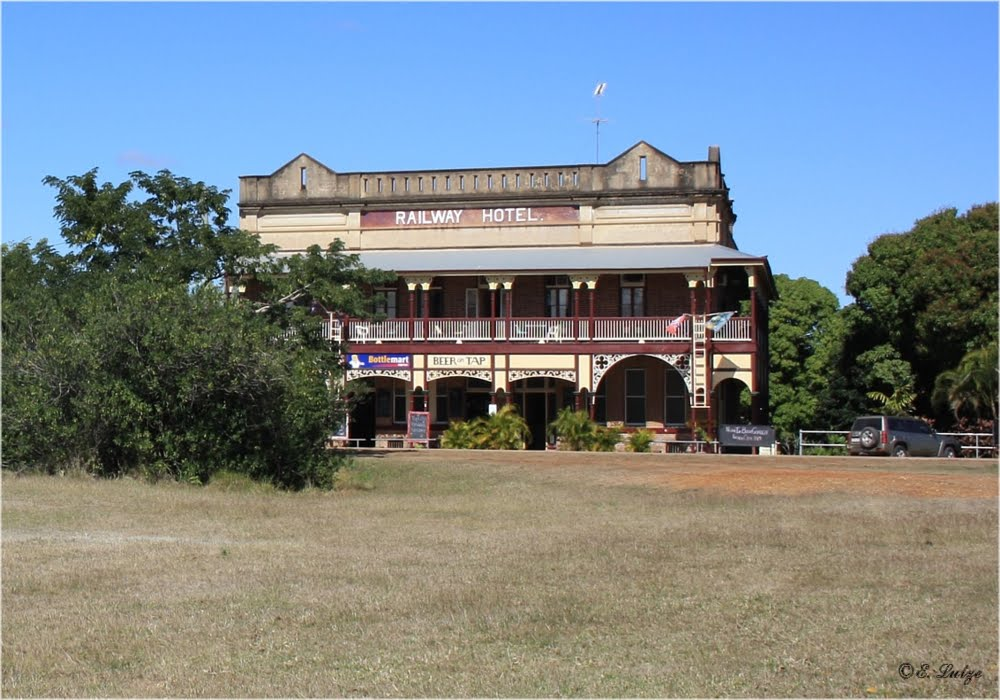 The Railway Hotel in Ravenswood