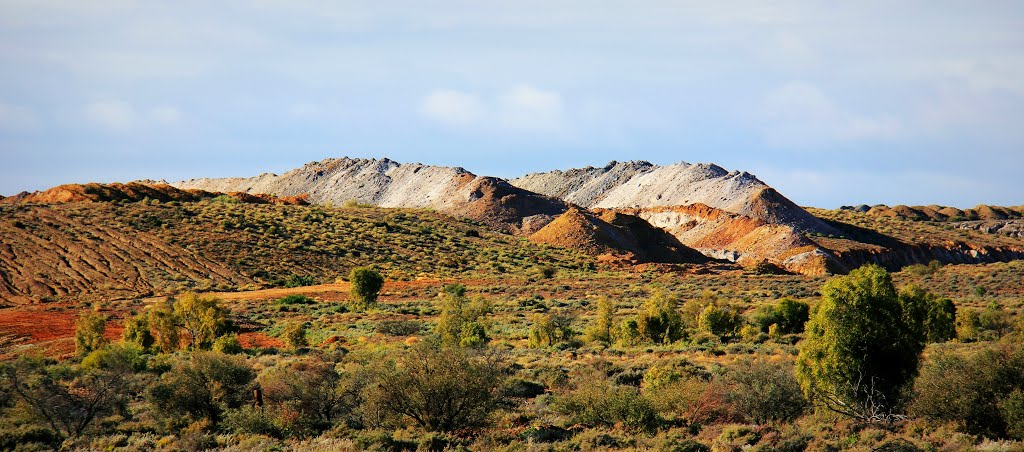 Colour of minerals - north of Leigh Creek