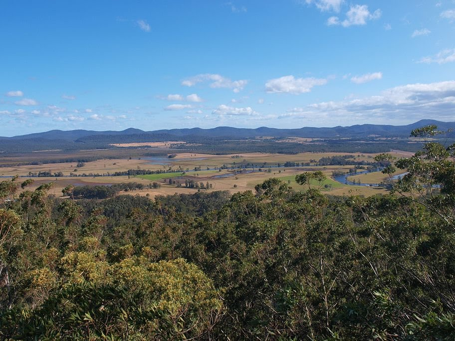 View south from Alum Mountain, Bulahdelah.