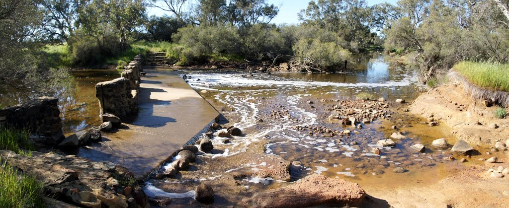 Moore River weir - bridge...