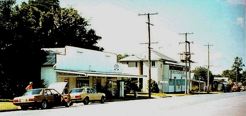 Australia - Queensland - Emerald - Capricorn Hwy - The Criterion Hotel - 1980