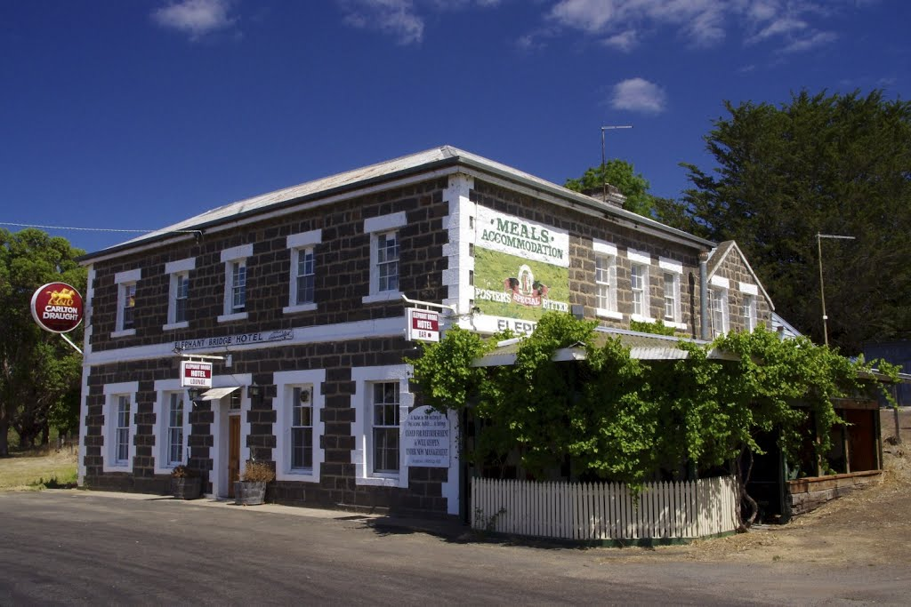 Elephant Bridge Hotel: no longer in service