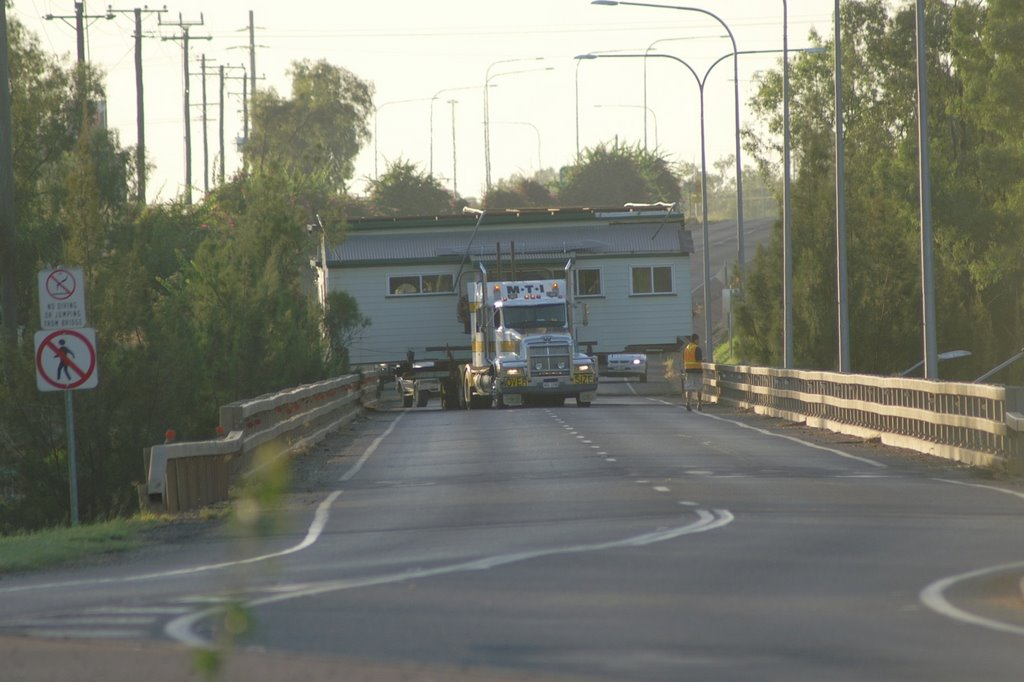 Wide Load Crossing Nagoa River Bridge, Emerald QLD